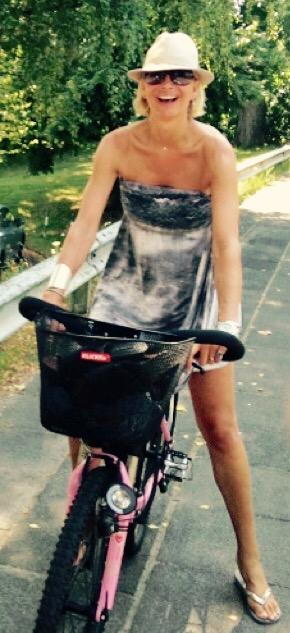 Britt auf dem Fahrrad